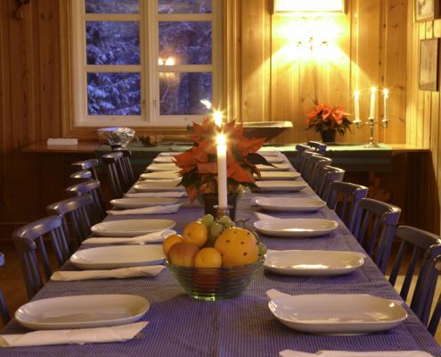Vekommen til dekket bord.