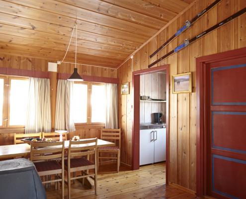 Spisekrok og kjøkken på Furustua.